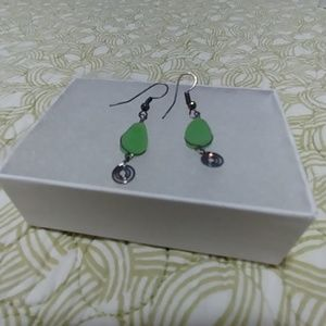 Green stone and wire earrings - Never Worn!